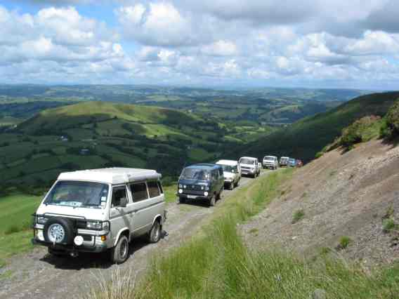 Convoy of Syncros climbing Dethenydd hill
